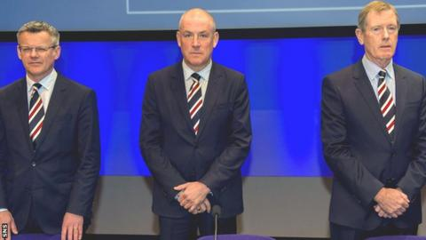Rangers manager Mark Warburton is flanked by director Stewart Robertson (left) and chairman Dave King at the annual general meeting