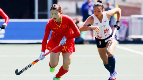 Jiaqi Zhong of China women and Yu Asai of Japan women during the Rabobank 4-Nations trophy match between Japan v China at the Hockeyclub Breda on June 26, 2018 in Breda Netherlands (Photo by Soccrates/Getty Images)