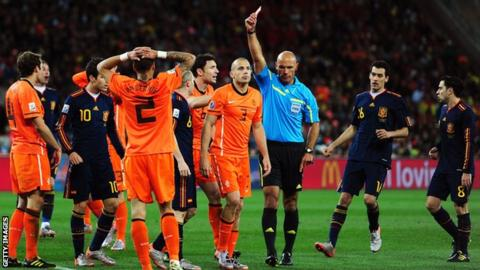 Howard Webb refereeing the 2010 World Cup final between the Netherlands and Spain