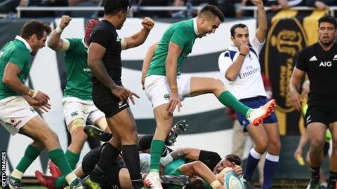 Ireland scrum-half Conor Murray celebrates Robbie Henshaw's vital try that sealed victory over New Zealand