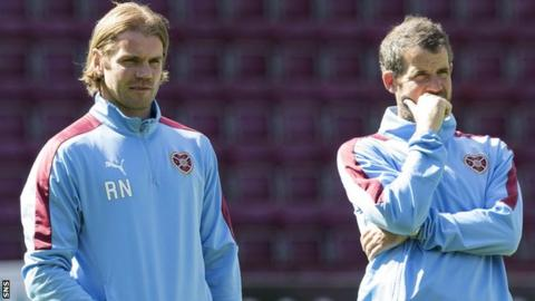 Robbie Neilson oversees Hearts training