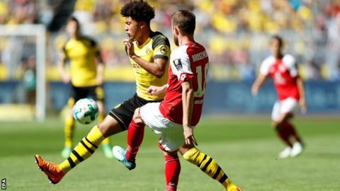 Jadon Sancho in action for Borussia Dortmund against Mainz