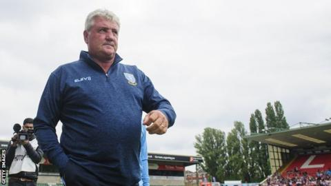 Steve Bruce took charge of Sheffield Wednesday's 3-1 pre-season friendly win against Lincoln City on Sunday