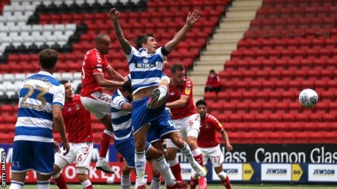 Darren Pratley scores for Charlton