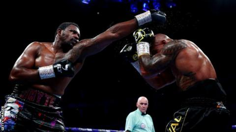Dillian Whyte fighting Oscar Rivas