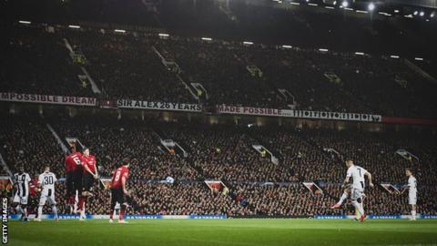Cristiano Ronaldo takes a free-kick against Manchester United