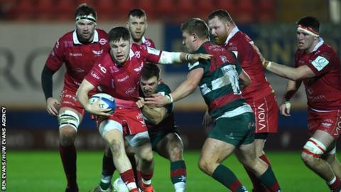 Wing Steff Evans added a fifth try for Scarlets against Leicester