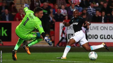 Andre Ayew scores for West Ham