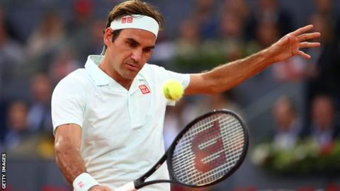 Federer Leads Gasquet In Clay-Court Return