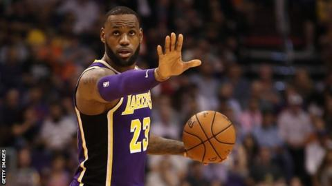 Los Angeles Lakers small forward LeBron James