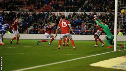 Omar Richards puts Reading 1-0 up against Nottingham Forest