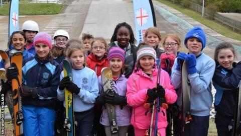 Children take part in National School Snowsport Week.