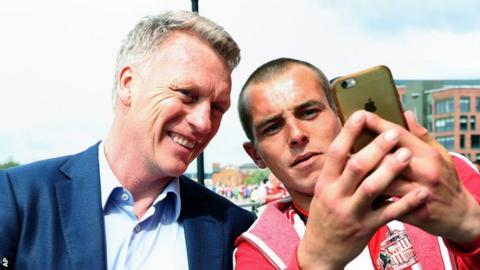 David Moyes and a Sunderland fan