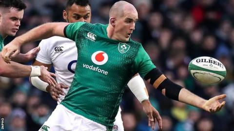 Ireland's Devin Toner attempts an off load
