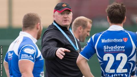 Bernard Jackman takes a Dragons training sessions