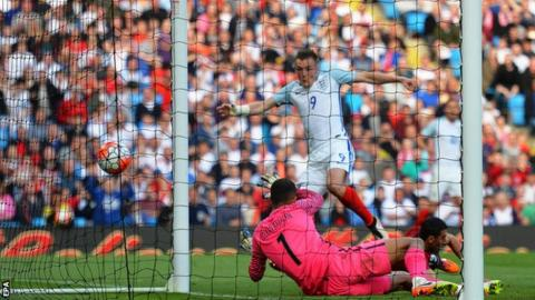 Jamie Vardy scores for England against Turkey