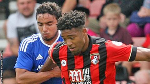Fabio challenges Jordon Ibe of Bournemouth