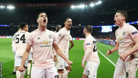 7125594f815c9 Manchester United players celebrate after their win over Paris St-Germain