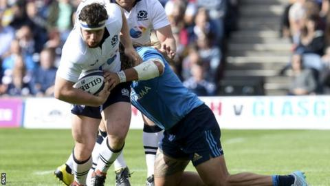 Alasdair Dickinson carries for Scotland