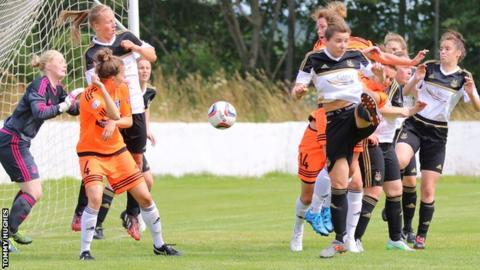 Glasgow City's Jo Love heads in the opening goal