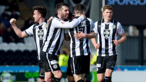 St Mirren's Callum Gallagher celebrates with his team-mates