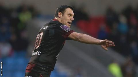 Lionel Beauxis in action for Lyon against Sale in the European Challenge Cup