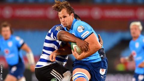 Arno Botha carries the ball into contact