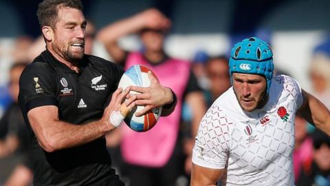 New Zealand score a try against England at the Rugby World Cup Sevens