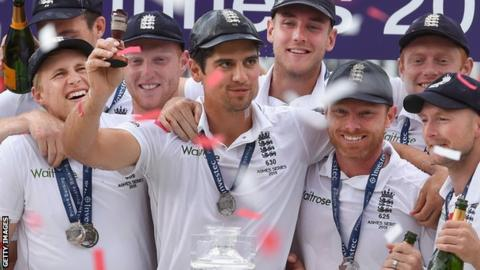England celebrate winning the 2015 Ashes