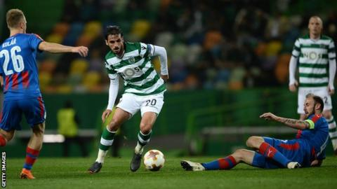 Bryan Ruiz in Europa League action for Sporting Lisbon in March