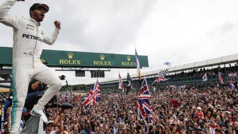Hamilton takes pole in Silverstone