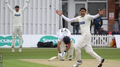 Mohammas Abbas appeals for the wicket of Wayne Madsen on day one at Grace Road