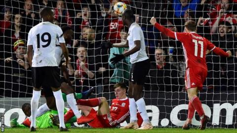 Wales 1-0 Trinidad and Tobago: Ben Woodburn scores injury