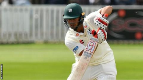 Brett D'Oliveira's defiant knock kept Worcestershire in the game at Cardiff