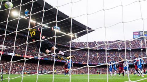 Lionel Messi free-kick goal