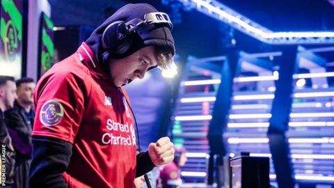 "Donovan ""F2TekKz"" Hunt competing for Liverpool in the ePremier League"