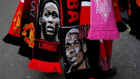 Paul Pogba and Romelu Lukaku scarves