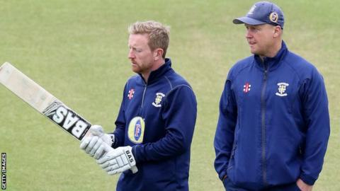 Durham head coach Jon Lewis (right) with Paul Collingwood