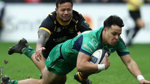 Rory Parata scores a try for Connacht