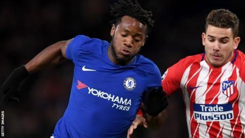 Michy Batshuayi plays against Atletico Madrid