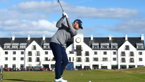 Tyrrell Hatton in second-round action at Carnoustie