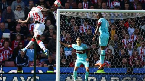 Mame Biram Diouf scores the winner