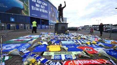 Tributes to striker Emiliano Sala at Cradiff City Stadium
