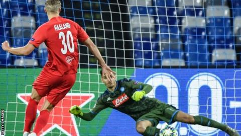 Salzburg make Napoli wait for Champions League last 16 spot
