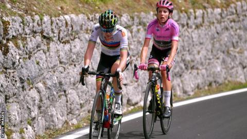 Anna van der Breggen and Annemiek van Vleuten on the ninth stage