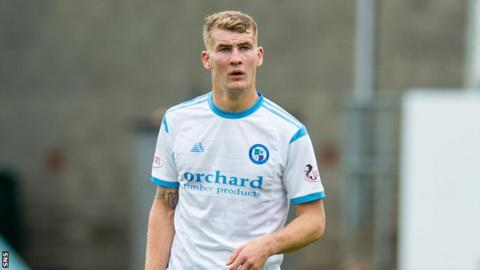 Forfar's Andy Munro conceded a penalty but then headed in a goal for his own team to make amends