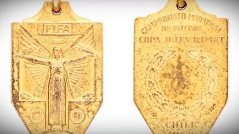 Pele's World Cup winning medal from 1962