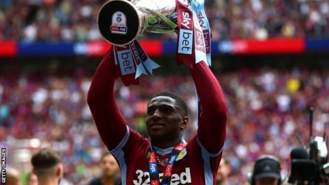 Kortney Hause: Aston Villa sign defender from Wolves