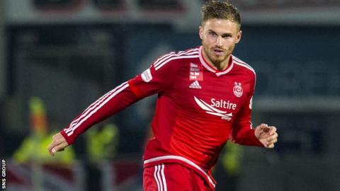 David Goodwillie in action for Aberdeen
