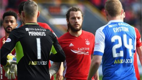 Stevie May, centre, joins St Johnstone for a second spell after a tough time at Aberdeen